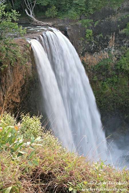 Image 1 of 2<br />Wailua Falls at high flow