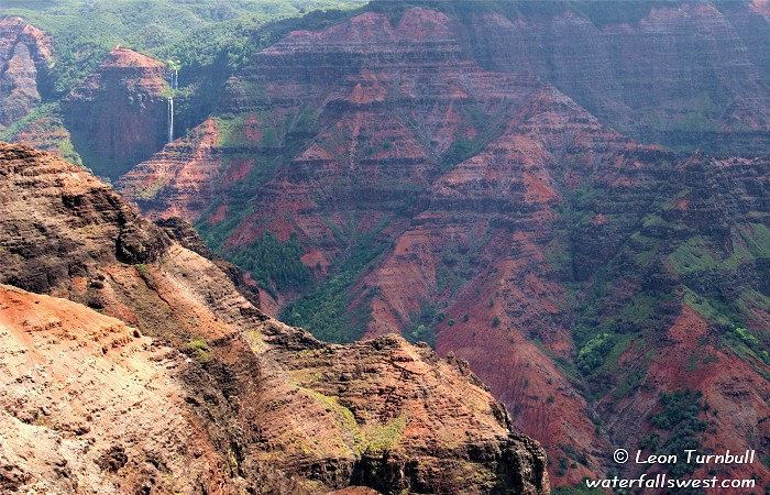 Image 4 of 4<br />Wide angle view from Waimea Canyon Lookout